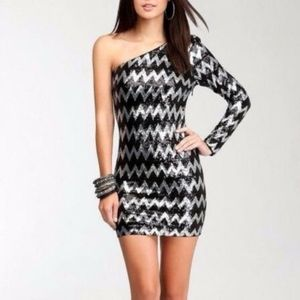NWT Bebe Zig Zag One Shoulder Sequin Dress XS